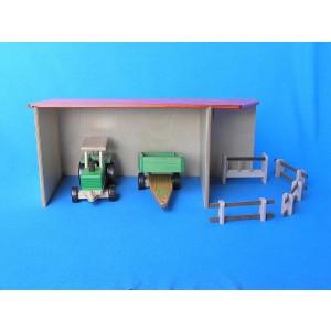 Beck Geräteschuppen / Scheune, ohne Fahrzeuge - Holzspielzeug Profi